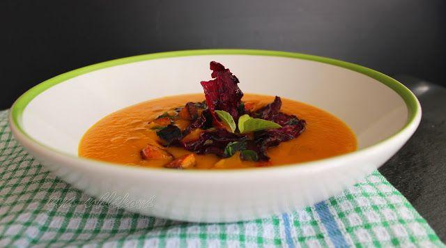 o varení, živote a tak... : Krémová tekvicová polievka a cviklové čipsy