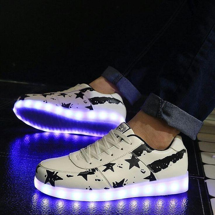 """15 nouveaux designs et couleurs pour les chaussures lumineuses basses """"Moonwalk"""" et 10 pour les chaussures led hautes """"So High! Chaussure lumineuse 20 euros seulement livraison rapide car produit déjà en France !  la deuxième paire pour 15 euros. Du jamais vu ! https://www.heartjacking.com/fr/260-chaussures-lumineuses   De la taille 25 (enfant) à 46 la basket lumineuse led Moonwalk nom inspiré du grand Michael Jackson bien entendu ;-) est noire ou blanche et sur chaque chaussure on peut…"""