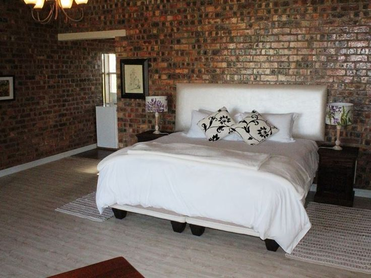 Birdie Bed and Breakfast - One of the three Golfer's Retreat Bed and Breakfast apartments, this apartment is located within Langebaan Country Estate. This is a very spacious one-bedroom units leading out on to the outside garden ... #weekendgetaways #langebaan #westcoast #southafrica
