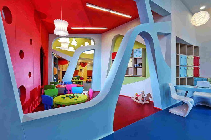 Интерьер как часть игры — детский сад в Греции