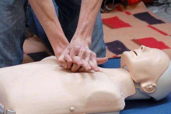 Formation gratuite AT-MP : Sauveteur Secouriste du Travail – Croix Rouge française