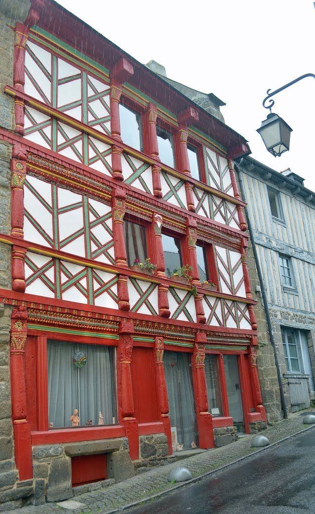 SAINT-BRIEUC, rue Quinquaine, maisons anciennes