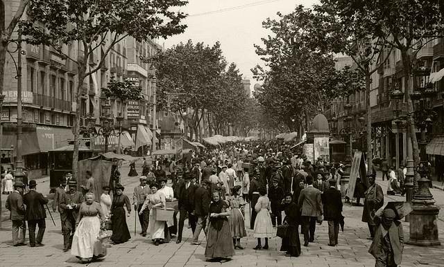 La Rambla, plena de vida, al 1905. Meravellosa!