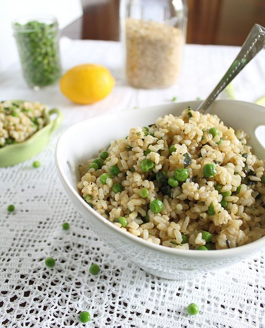 basil brown rice with lemon and peas - only takes 5 minutes