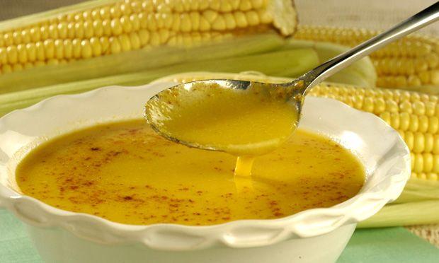 Caldo de milho com gengibre