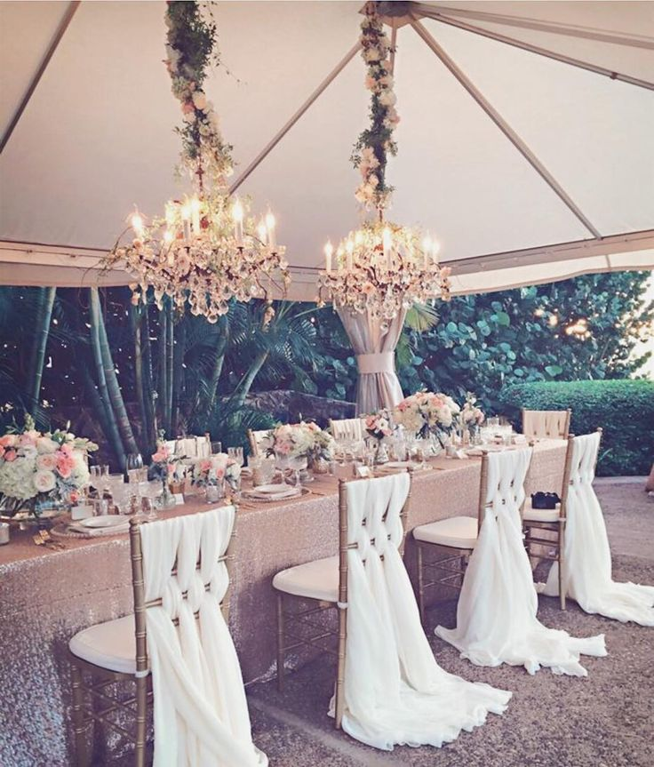D R E A M Y • Wedding season has started! Love this romantic table setting ����  http://gelinshop.com/ipost/1520966299047875887/?code=BUbjspiFtUv