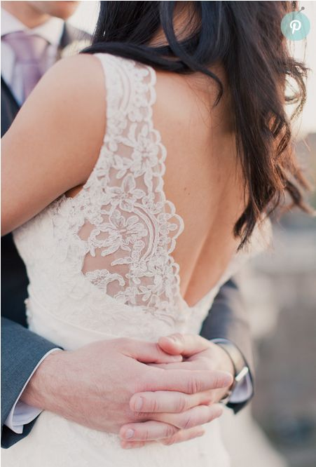 Love this lace panel in the bride's dress  #bride