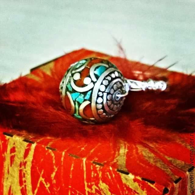 Купить Кольцо с непальской бусиной - кольцо, хэндмэйд, бирюза, кораллы, непальская бусина, ювелирный сплав