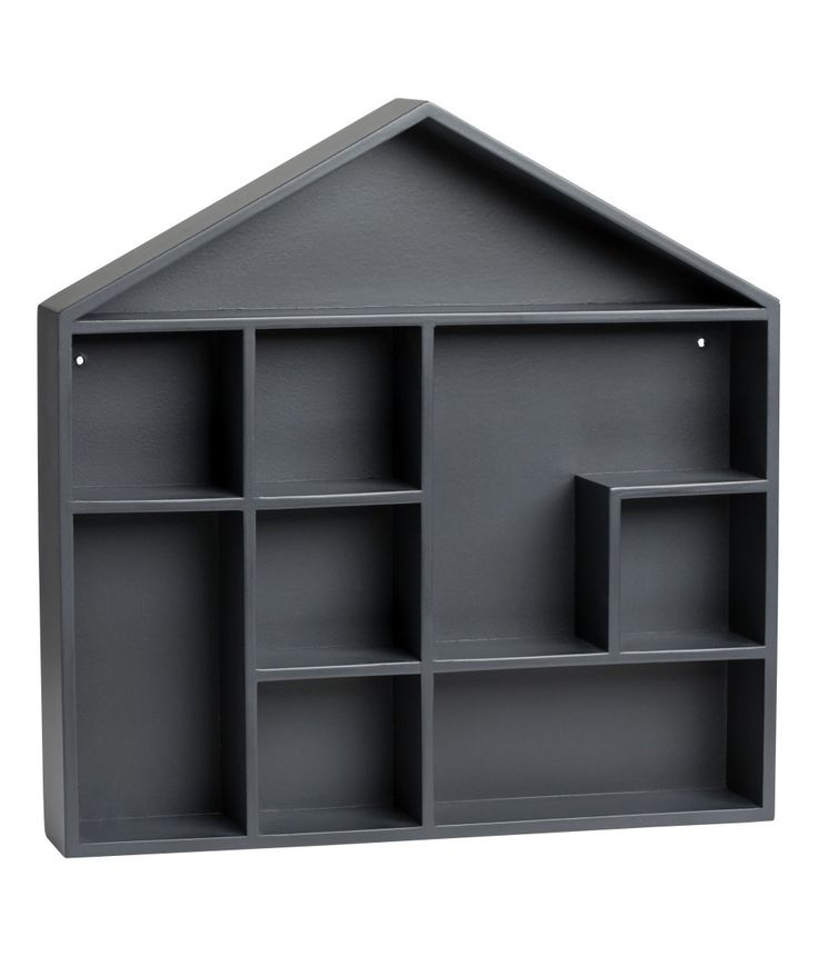 Kolla in det här! En husformad hylla i målad MDF. Hyllan har förborrade hål för upphängning. Skruvar medföljer ej. Bredd 32 cm, höjd 32 cm, djup 5 cm. - Besök hm.com för ännu fler favoriter.
