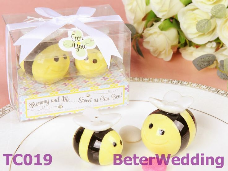 Honey bee Salt and Pepper Shakers Wedding Favors BETERWEDDING-TC019 http://www.aliexpress.com/store/512567   #ceramic #porcelain