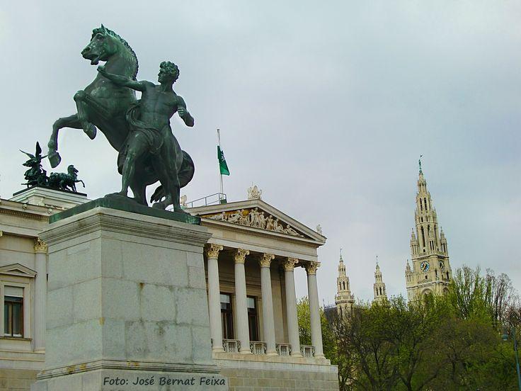 Overzicht Parlament, Wenen