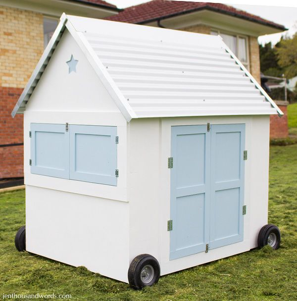 Chicken coop hen house on wheels self sufficiency hen for Portable hen house