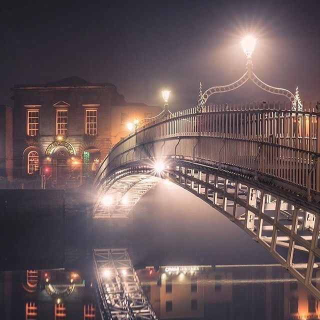 Another repost from my hometown - The Hapenny Bridge across the River Liffey in Dublin - picture by @keatingcolm . . #vancityhype #getoutside #discoverglobe #beautifuldestinations #socialrealtor #socialmedia #yvrre #realtor in #yaletown #vancity #vancouverrealestate #theevlist #wp #linkedin #instahub #instagood #love #engelvolkers #dublin #ireland #europe #travel #adventure #wanderlust #photography #break #holiday #history #architecture @discoverdublin