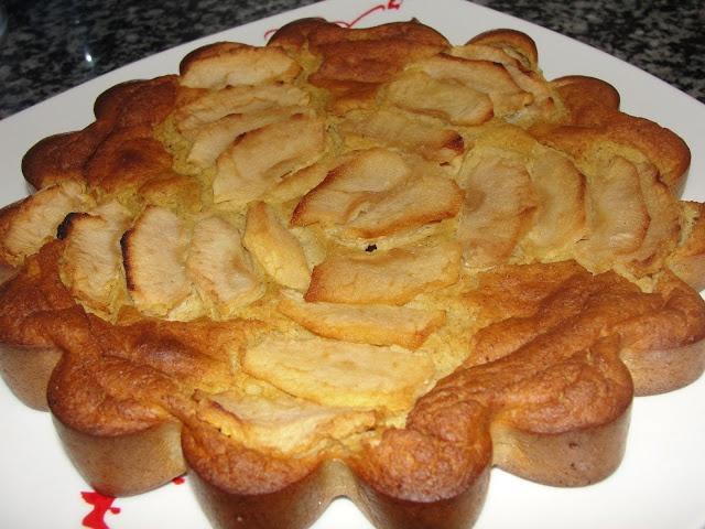 Tarta de manzana y avena! http://elrincondeginger.blogspot.com.es/2012/09/tarta-de-manzana-y-avena-entulinea-de-ww.html