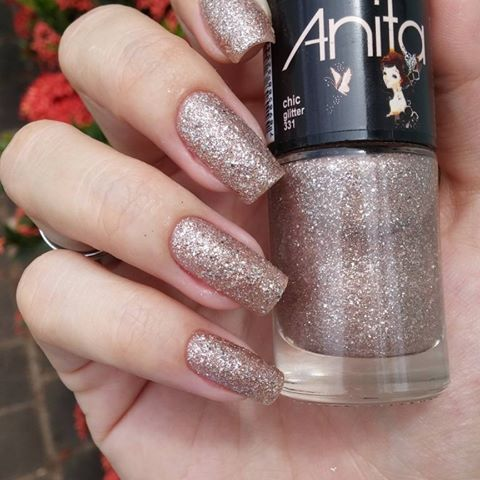 Amorzinho da vida! Chic by @anitaesmaltes  #inspiraçoesnails #unhas #manicure #nails2inspire #nailsoftheweek #deesmalte #unhasdasemana #dicasdeunhasbr Repost @nails_grazialves