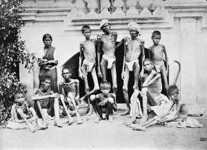 Fome na Índia, 1876-1878. As teorias do racismo foram aplicadas não somente nas novas colônias, mas também nas partes antigas do Império Britânico. Entre 1876 e 1878, a Índia foi afetada pelo fenômeno climático hoje conhecido como El Niño. As monções não vieram e a seca destruiu os cultivos. A população rural consumiu todas suas reservas alimentares e a fome se alastrou pelo país. Cerca de 8 milhões de camponeses indianos morreram de fome.
