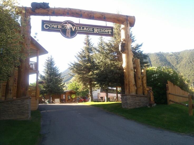 Best 25 cowboy village resort ideas on pinterest for Jackson wyoming cabin rentals