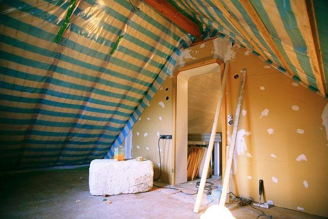 """""""Nie war es so günstig, ein Haus energieeffizient zu sanieren oder altersgerecht umzubauen."""" Stiftung Warentest hat im aktuellen Modernisierungskredit Vergleich (Finanztest 09/2015) v…"""
