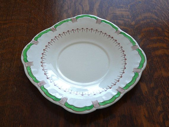 A rare Art Deco plate by Alfred Meakin in Spearpoint design  #artdeco #artdecopottery