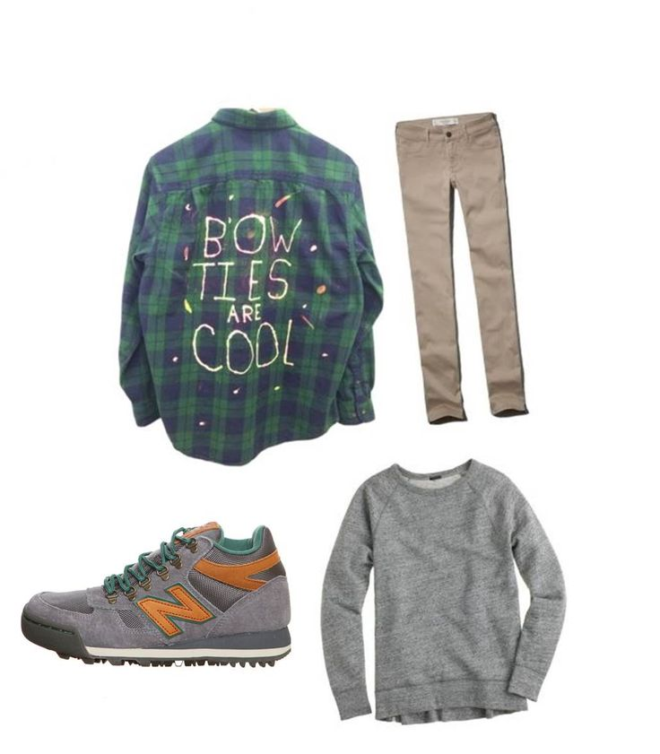 Hiking Fashion for this FALL !!   Simple Beige color Pants - Abercrombie & Fitch  Grey sweatshirt - J.Crew   Additional shirt for cold weather - Dr.Who  Hiking Shoes - New balance(H710)