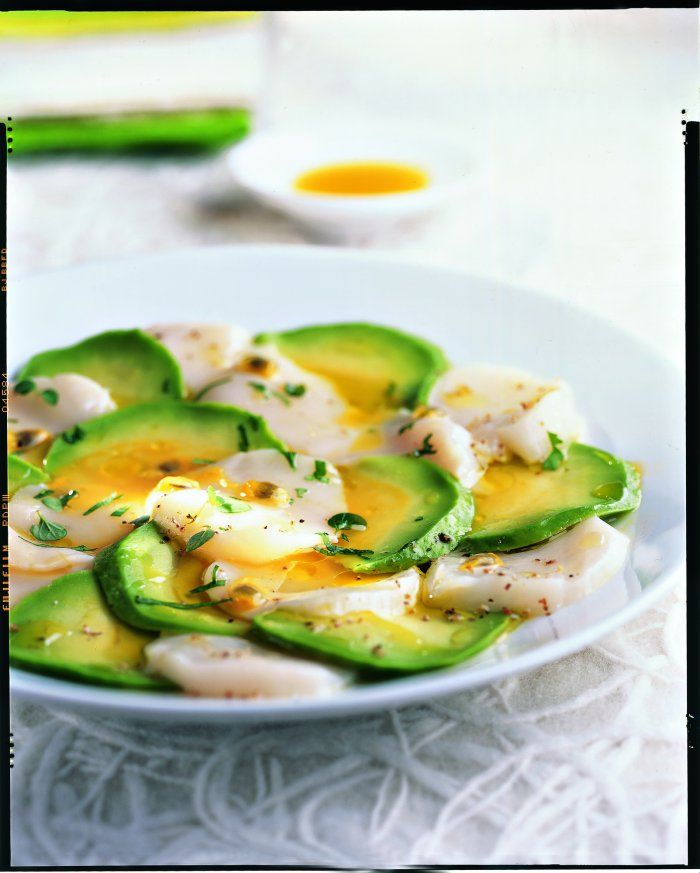 Carpaccio+d'avocat+et+saint-jacques+aux+fruits