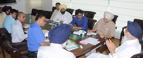 Punjab govt. is committed to provide the best amenities for water supply & sanitation to the public. CM Parkash Singh Badal has been paying due attention to the issue and presided over a meeting to review the ongoing water supply and sanitation schemes in the state. ‪#‎AkalisforPunjab‬ #akalidal   #parkashsinghbadal   #punjab   #watersupply   #sanitation