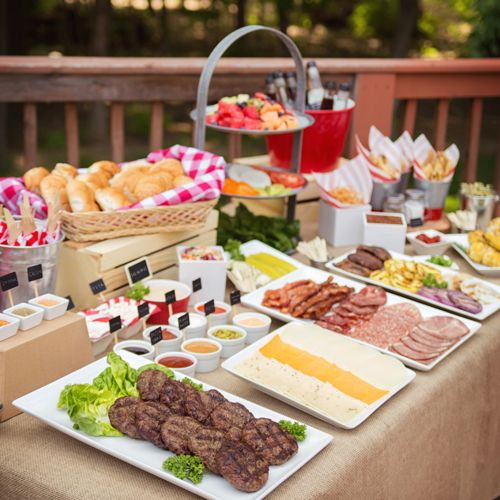 Barbeque Bar | A summer BBQ with burgers is good. A summer BBQ with burgers on an awesome tablescape, with all the toppings you can think of is better!
