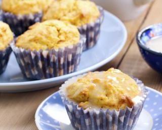 Cupcakes au yaourt 0%, glaçage au citron : http://www.fourchette-et-bikini.fr/recettes/recettes-minceur/cupcakes-au-yaourt-0-glacage-au-citron.html
