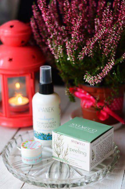 Vianek tonik-mgiełka do twarzy, peeling oczyszczający sylveco, balsam truskawkowe daiquiri bomb cosmetics