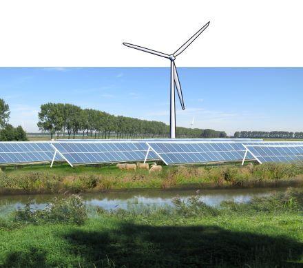 Nuon zet grootschalig in op het ontwikkelen van zonneparken bij windparken. Na een succesvolle pilot van het moederbedrijf van Nuon – Vattenfall -, bereidt Nuon in Nederland de bouw voor van in elk geval zes zonnecentrales. In totaal gaat het om ruim 70 MW en zo'n 250.000 zonnepanelen. Dit is meer dan er momenteel in heel Nederland aan zonneparken staat opgesteld. Het energiebedrijf wil daarbij klanten en omwonenden laten mee-investeren en meedelen in de opbrengsten.