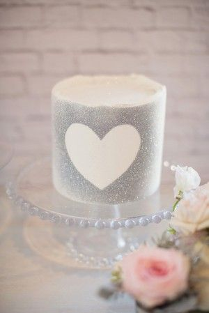 Valentines Glitter Cake Munaluchibridal.com  Tons of Party Ideas @ www.partyz.co !