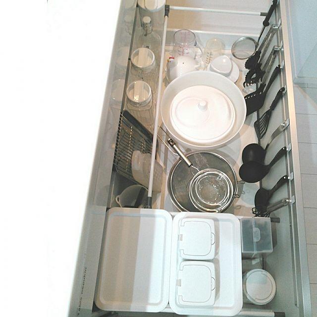 キッチンが断然使いやすくなる シンク下収納のアイデア集 シンク下 収納 吊るす キッチン 収納 シンク下