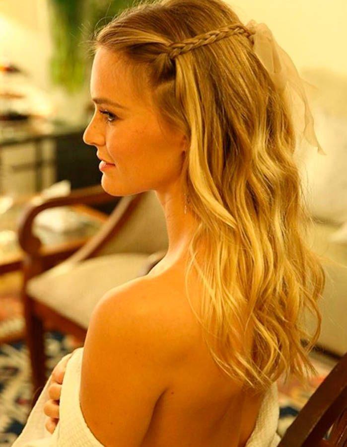 La coiffure tresse avec ruban de Bar Refaeli