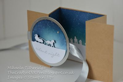 Mikaela Titheridge, Independent Stampin' Up! Demonstrator, The Crafty oINK Pen, Cambridgeshire, UK. Jingle All The Way Class projects using the Sleigh Ride Edgelits, Kraft Card Stock some Silver Foil Card stock, some clever sponging and some beautiful Satin Ribbon. Z Fold Card, Food Safe Cafe Bags. Supplies available thecraftyoinkpen.stampinup.net
