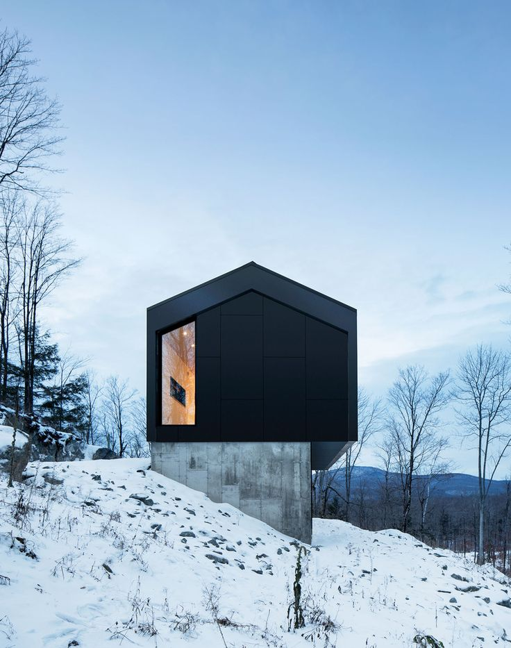 Bolton Residence: Naturehumaine design gable roofed mountain cabin in Quebec | KNSTRCT
