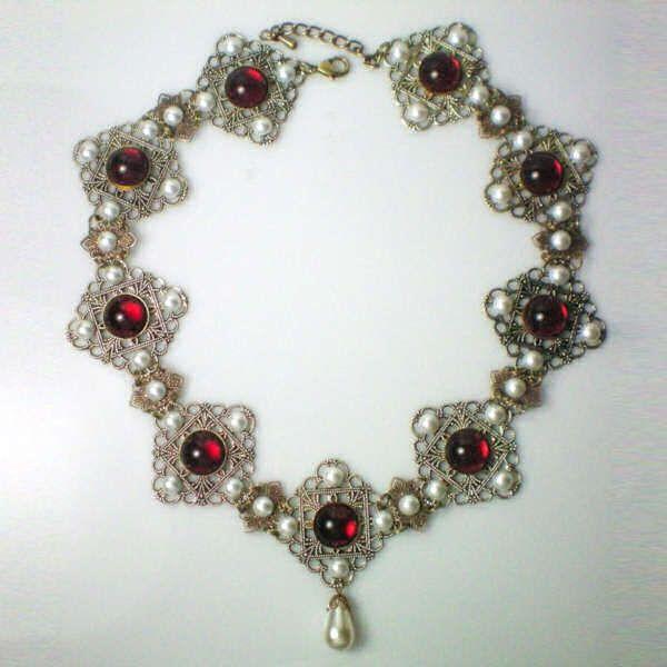 anne boleyn's jewelry | Anne Boleyn Necklace