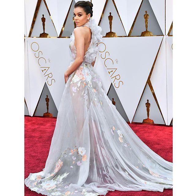 WEBSTA @ ralphandrusso - @haileesteinfeld wears #ralphandrusso to the 89th Annual Academy Awards. #randrstars #Oscars2017 #haileesteinfeld #couture