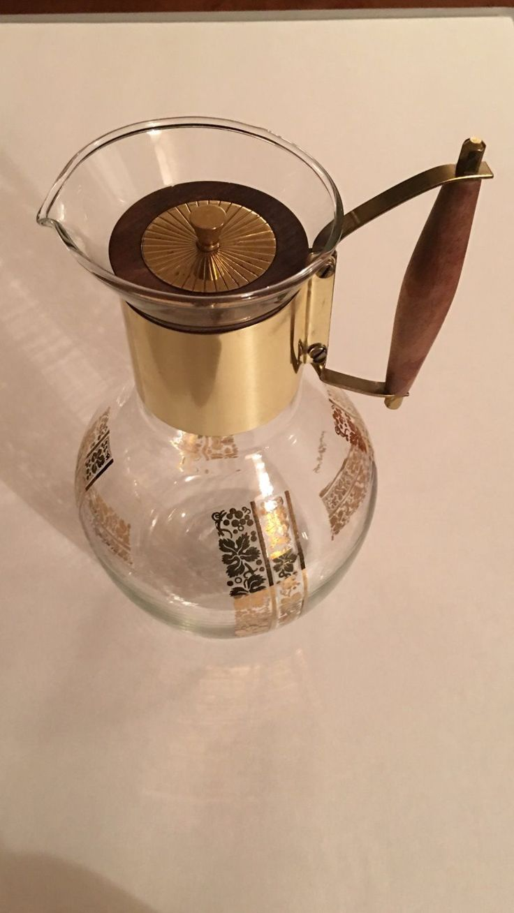 Coffee Maker Glass Pot : 17 Best images about Glass - Vintage coffee/tea pots/carafes on Pinterest Wine carafe, Glasses ...