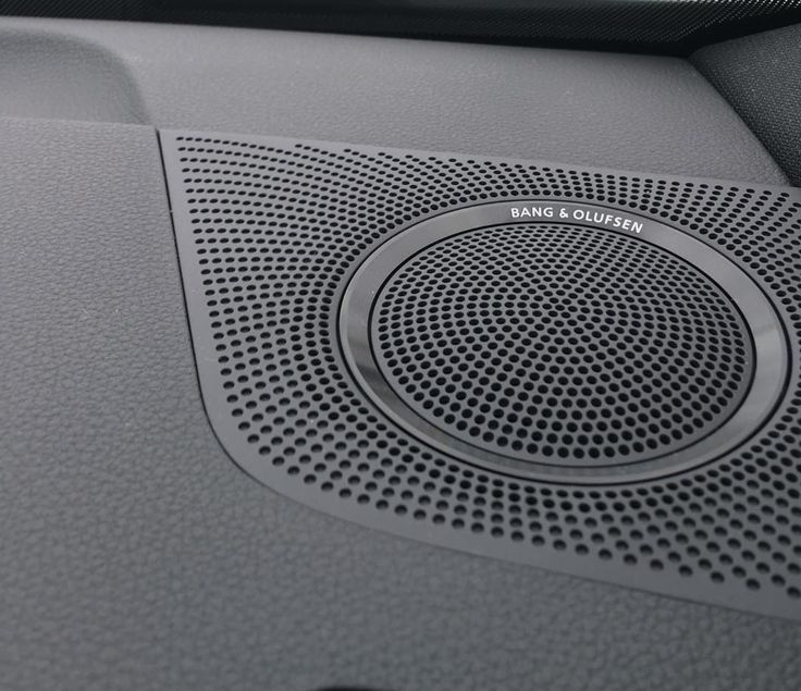 tonygamit shared this nice shot with Bang & Olufsen sound in Audi!