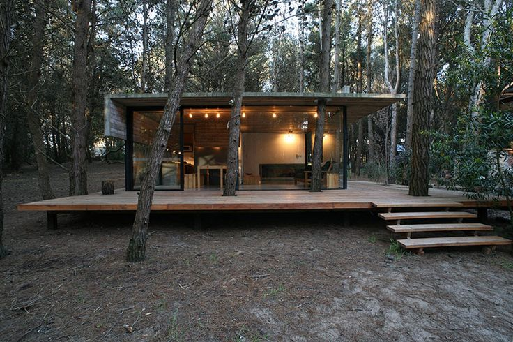 BAK arquitectos build the casa mar azul in a dense forest