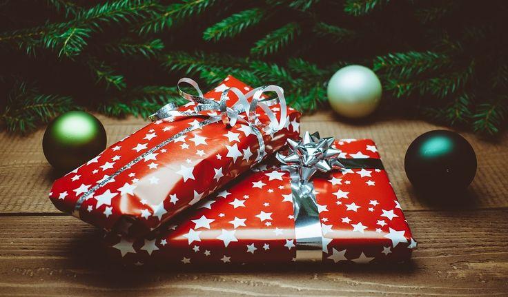 Idee regalo per Natale 2016 - originali e per ogni tasca #idee #regali #natale #beauty #fashion #skincare #unghie #viso #donna #per #lei #colleghe #amiche #sorella #mamma #fidanzata #ogni #budget #economico