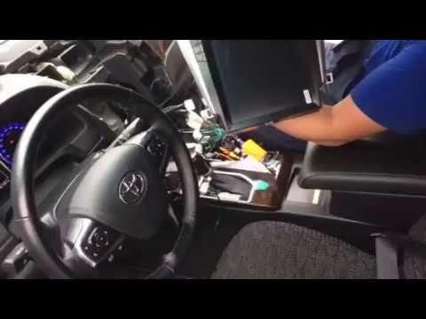 Toyota Camry установка, замена штатного головного устройства.  Сегодня к нам по записи приехала Тойота Камри на замену штатного аудиооборудования. Для хорошего, качественного звука в автомобиле требуется не только замена акустики. Первоисточником звука все же является головное устройство (автомагнитола). Поэтому добиться правильно сбалансированного и достойного звучания аудиосистемы в авто поможет установка автомагнитол. Небольшое видео, как оно было)  #автоклуб #autoclub #штатнаямагнитола…