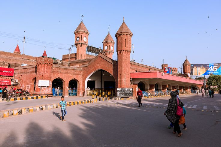 https://flic.kr/p/N6Mv9y   0W6A8297   RAILWAY STATION  LAHORE PUNJAB PAKISTAN Lahore Junction railway station (Urdu: لاہور جنکشن ریلوے اسٹیشن), (Punjabi: لہور جنکشن ریلوے اسٹیشن) is the primary railway station and intercity transportation facility in Lahore, Punjab, Pakistan. It is located at the junction between Circular Road and Allama Iqbal Road and bounded on the north side by the old Grand Trunk Road. The station building is owned by Pakistan Railways and also serves as its…