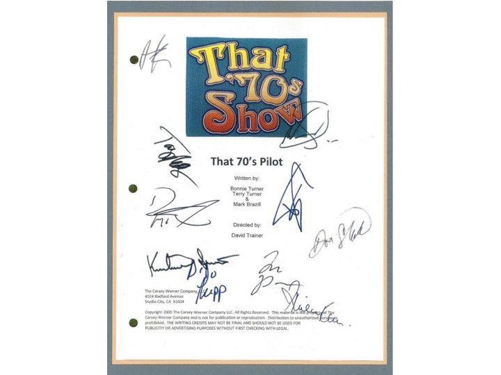 That 70's Show Pilot TV Episode Autographed: Ashton Kutcher, Kurtwood Smith, Debra Jo Rupp, Mila Kunis, Topher Grace, Don Stark