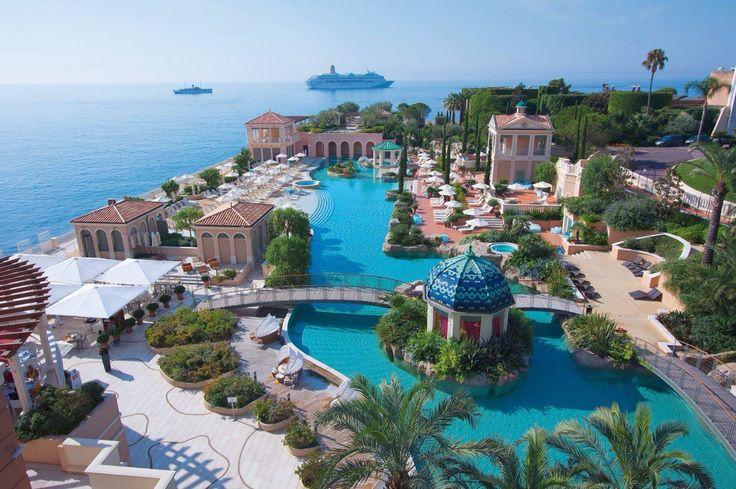 Monte Carlo Bay & Resort.