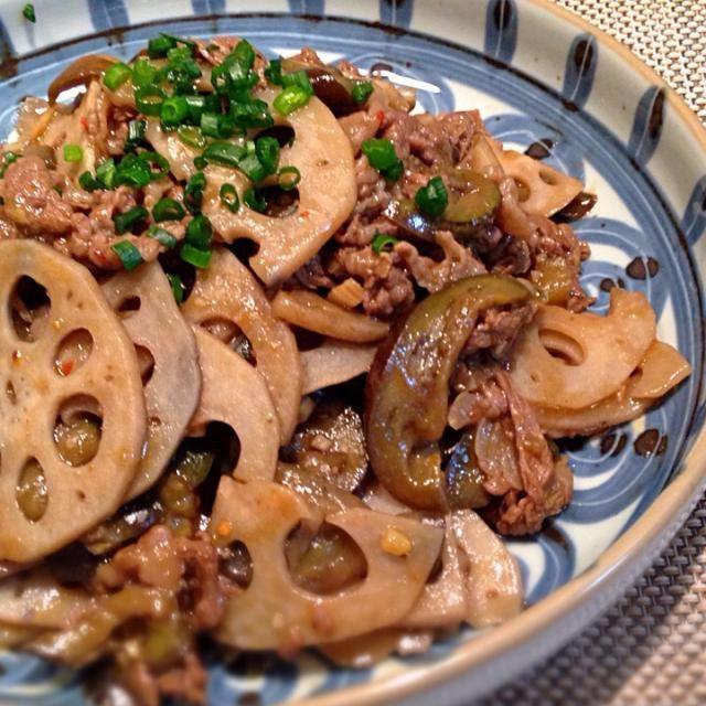 蓮根シャキシャキでご飯の進むおかずです。お弁当にも - 145件のもぐもぐ - 牛肉と茄子、蓮根のオイスターソース炒め by happyhannah
