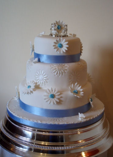 daisy wedding cakes pictures 40 best images about cakes multi tier gerber 13315