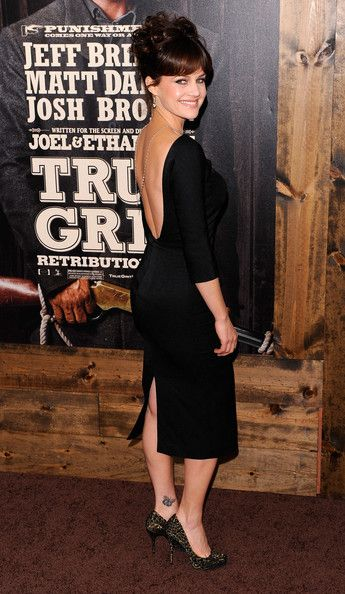 "Carla Gugino Photos: ""True Grit"" New York Premiere - Outside Arrivals"