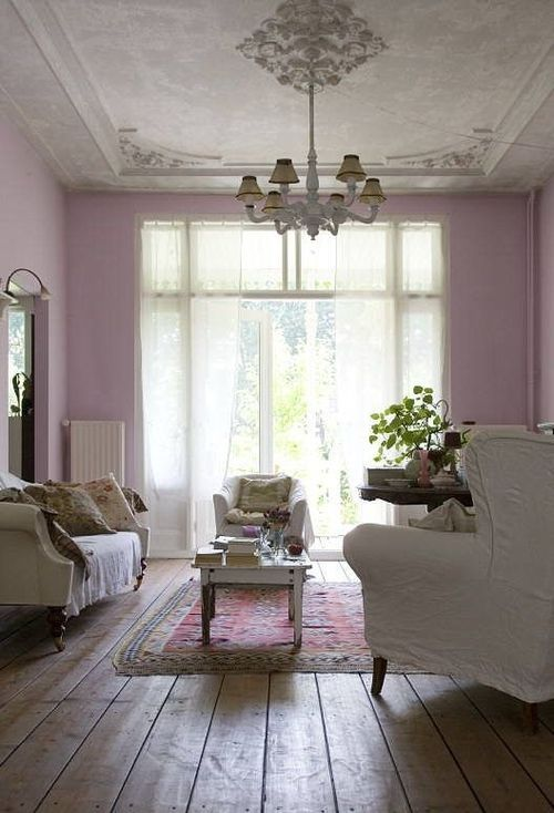 Though we're not convinced about the pink colour scheme, but that ceiling is absolutely gorgeous! Love the furniture too.