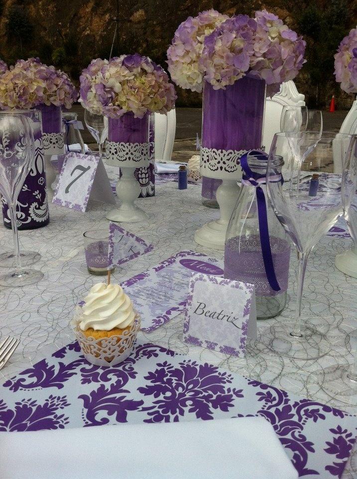 Centro de mesa boda morado lila pinterest centerpieces - Decoraciones bodas vintage ...